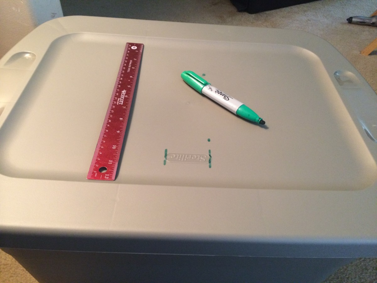 Make sure the outlined is centered on the lid.