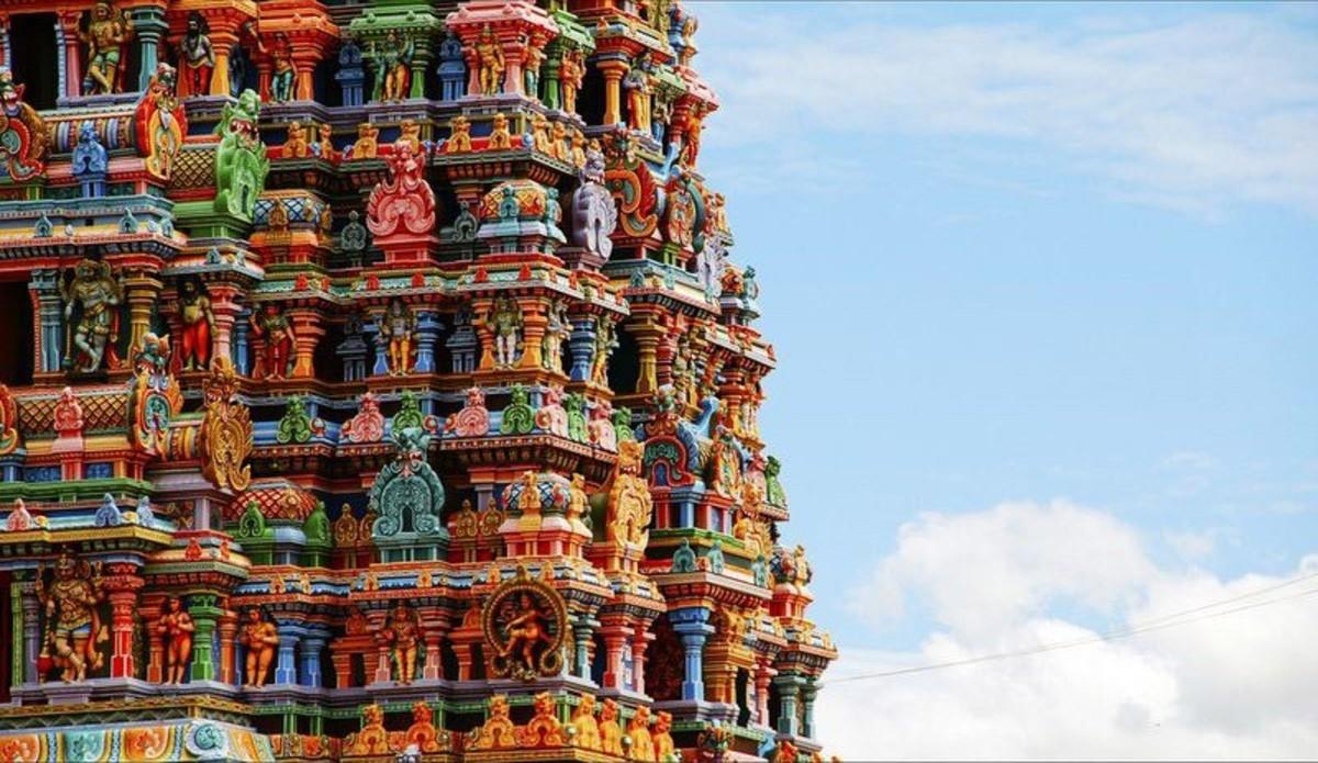 meenakshi temple tower close view