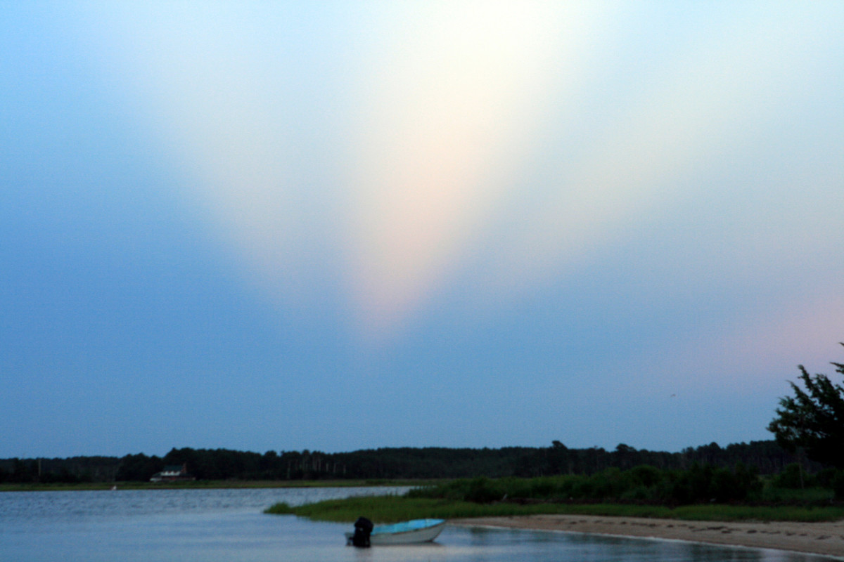 While we never caught a glimpse of Chessie the Sea Monster during our four day/night camping trip on a secluded island in the Chesapeake Bay, we did get a very odd but spectacular light show!