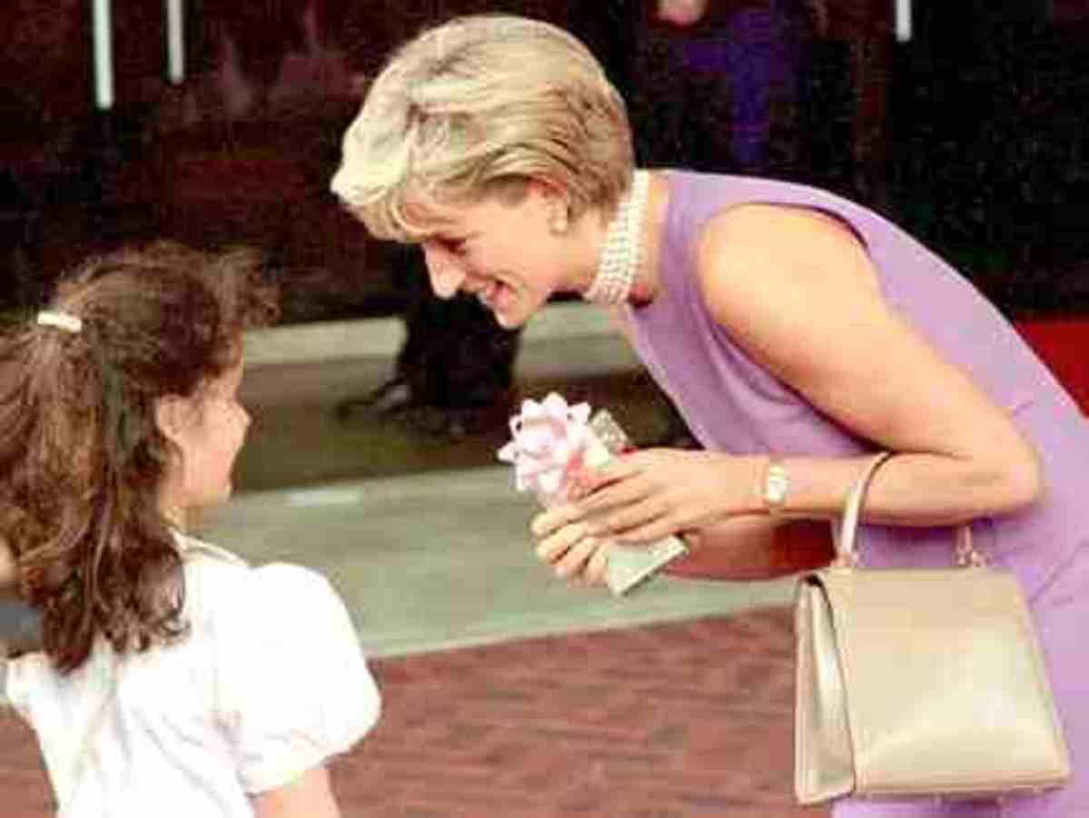 princess-diana-the-queen-of-our-hearts-the-story-of-the-day-i-met-her