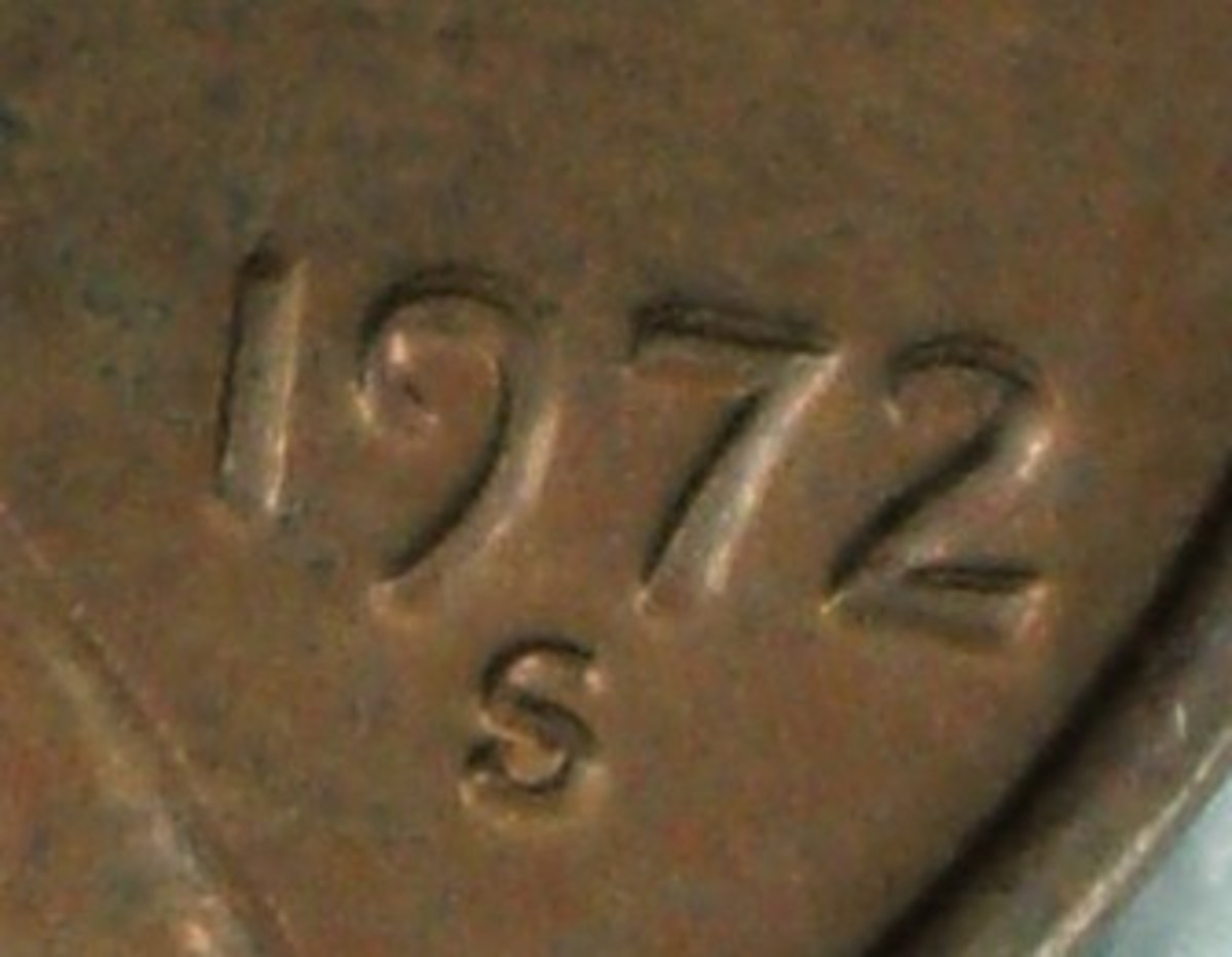 closeup of the doubled die date
