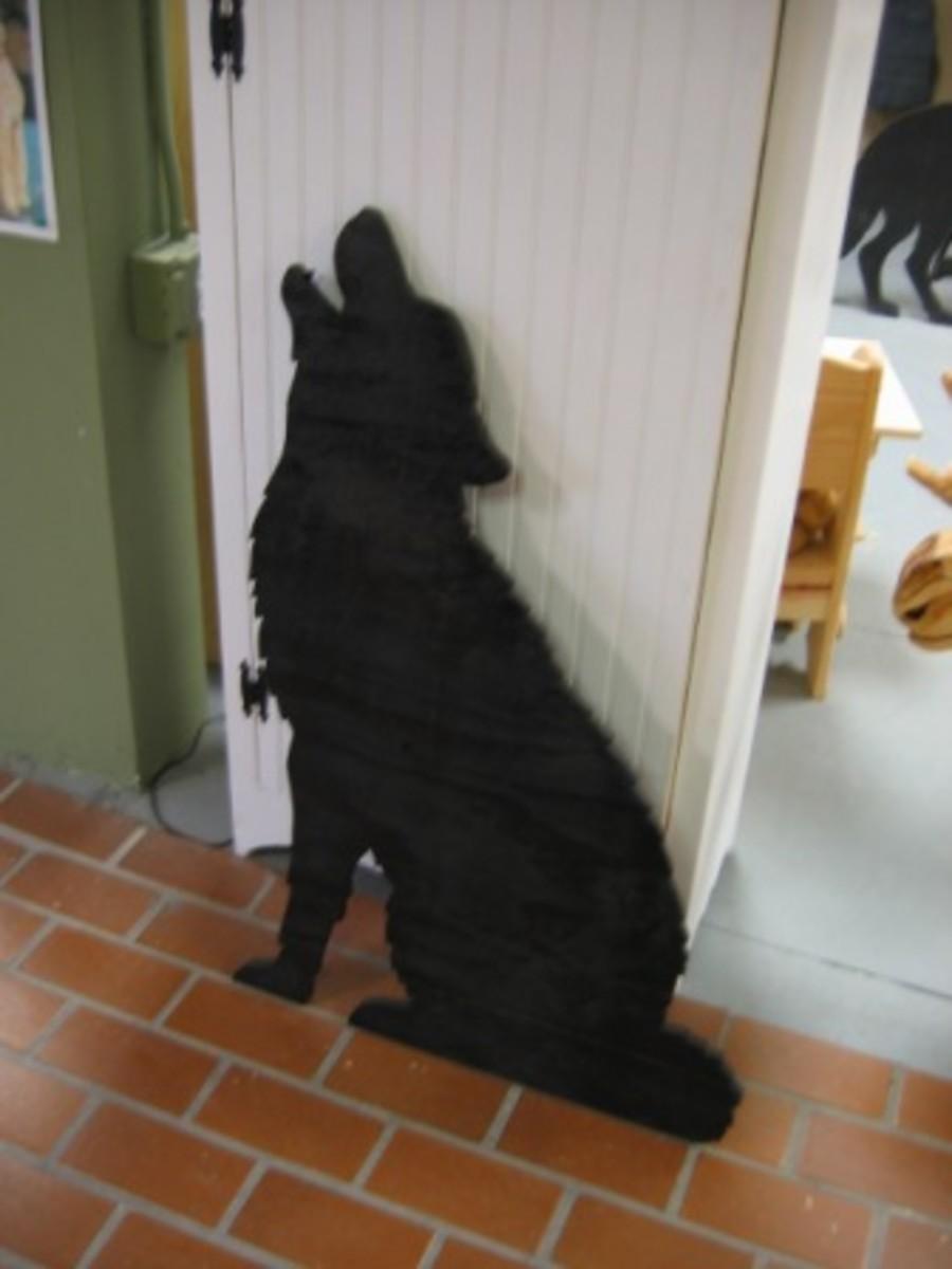 Howling Wolf Cutout