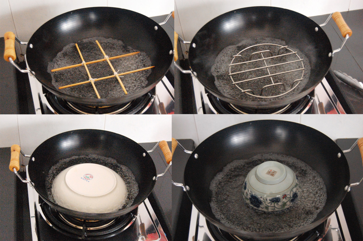Platforms or rigs to place the steaming dish for steam cooking