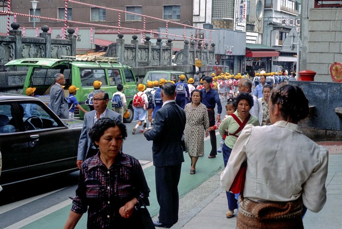 Modern Japan Movies Show Interesting Street Scenes