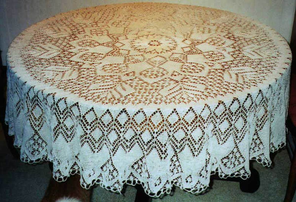"Knitted lace ""doily"" from www.knitting-and.com"