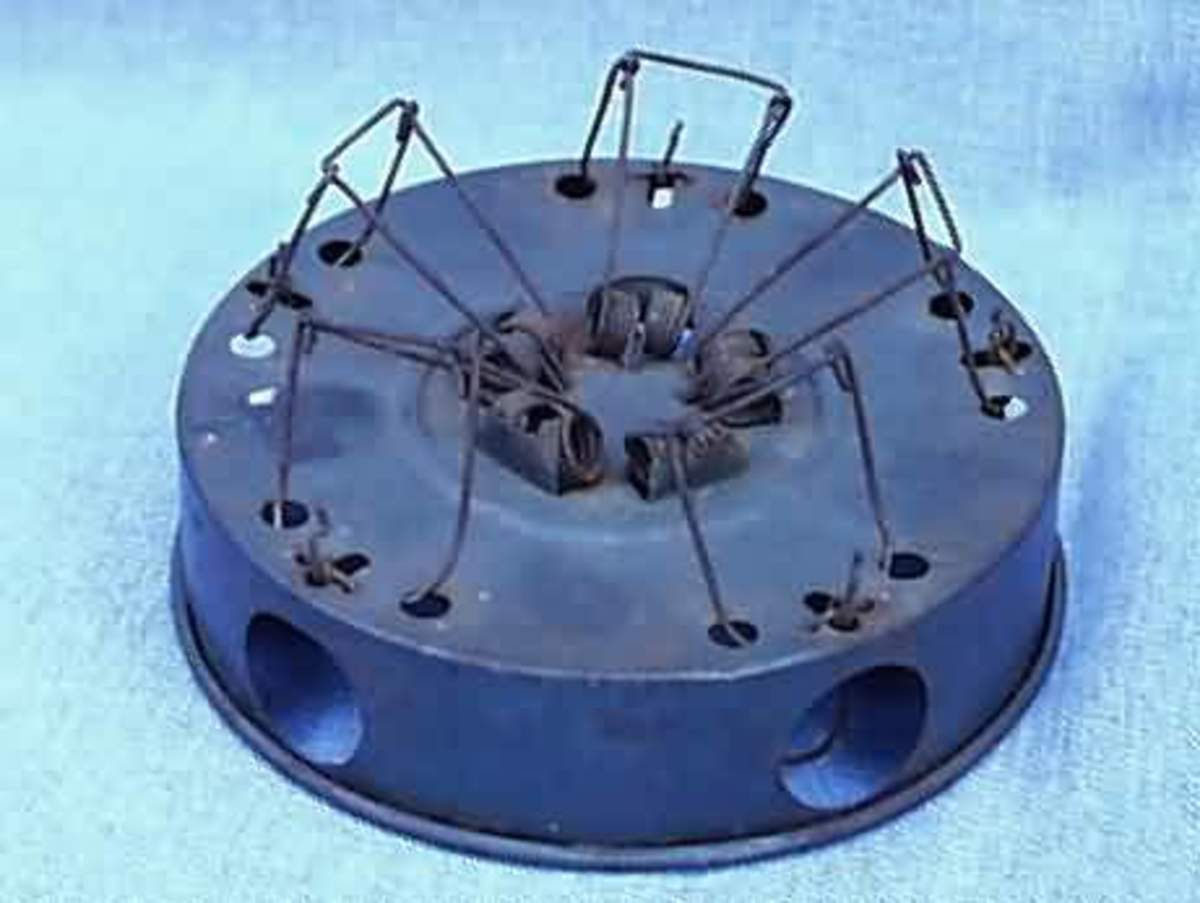 This is similar to the museum mouse trap-- but it has room for five.