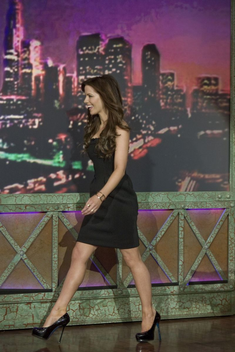 Kate Beckinsale visits the Late Show in Dec. 2008 wearing towering high heels and a hot little black number