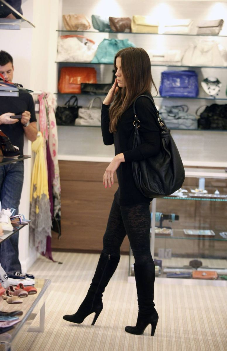 Kate Beckinsale shopping for shoes wearing black knee high heel stileto boots