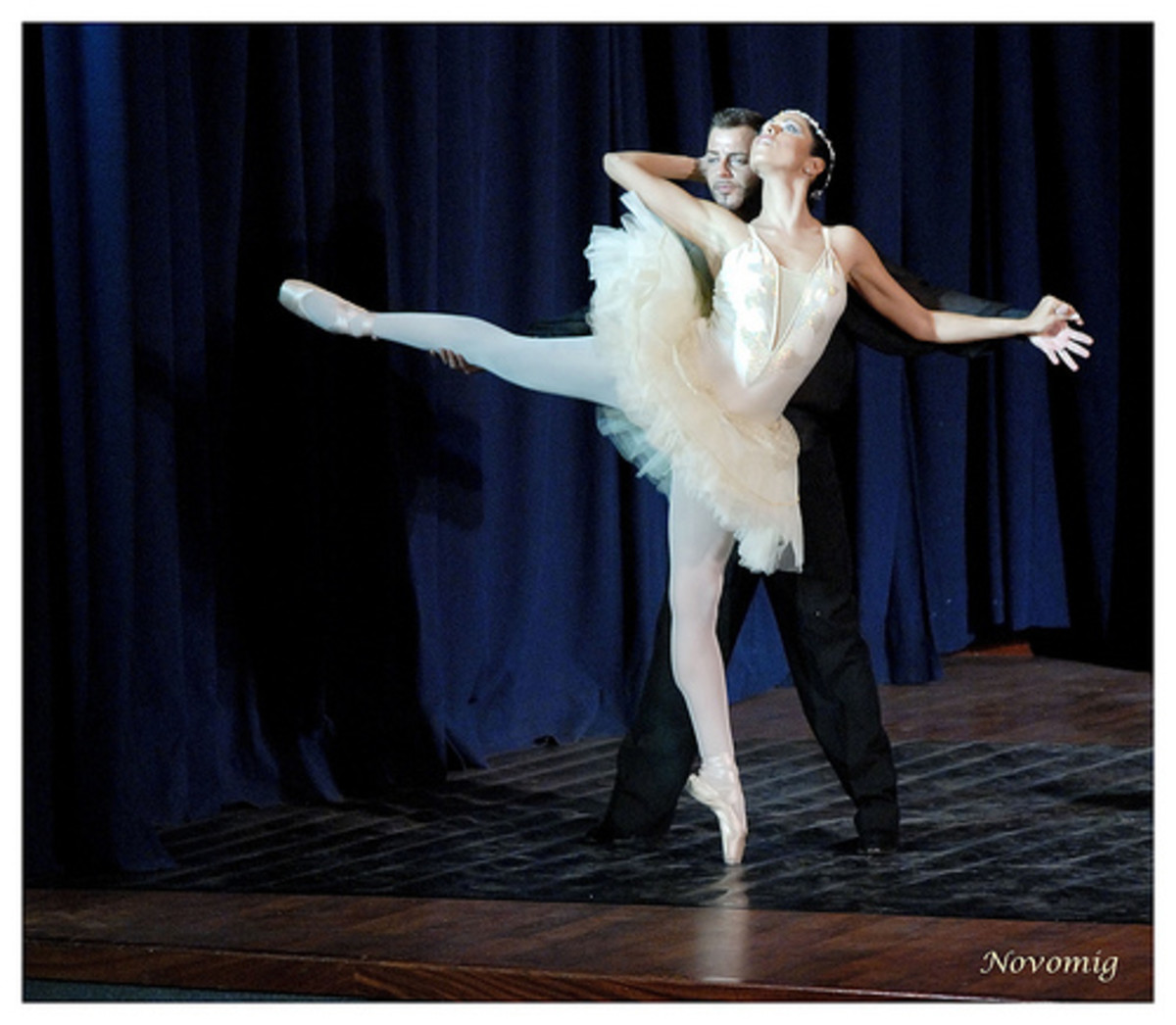 A white tutu is elegant and versatile