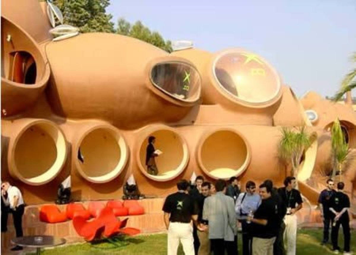 The Bubble House in Cannes (France). Look out Hamsters! Humans are looking for similar places to live!