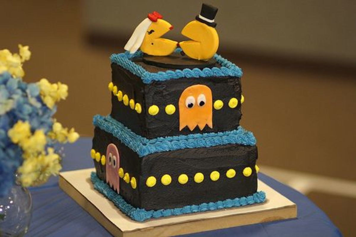 Pac Man Groom's Cake