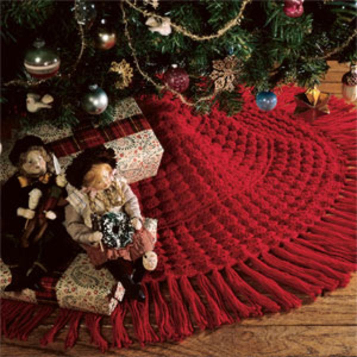Easy Crochet Christmas Tree Skirt: Christmas Tree Skirts By Barnacle Bill