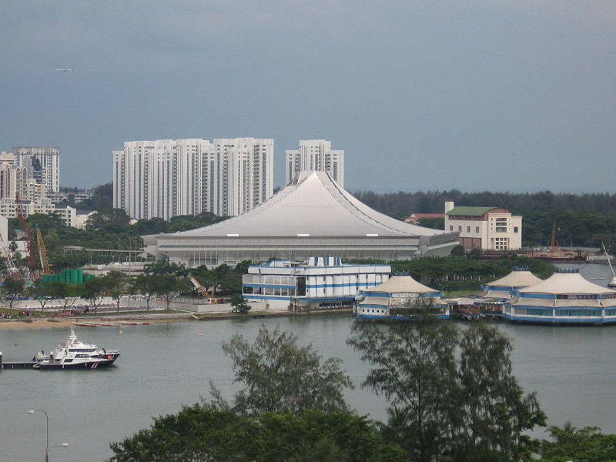 Singapore Indoor Stadium - Venue for Badminton and Table Tennis.  Image by Sengkang, Wikipedia