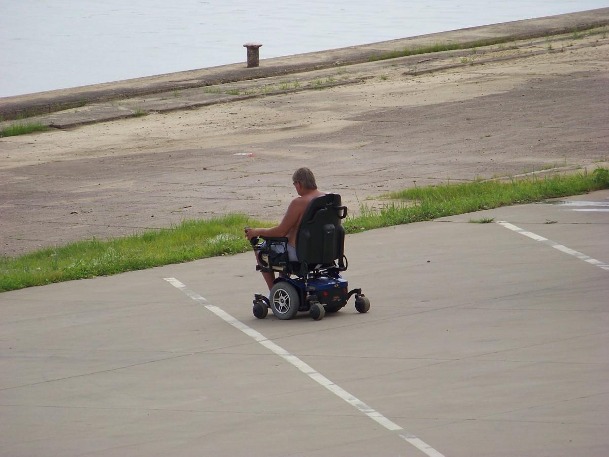 Motor powered wheelchair