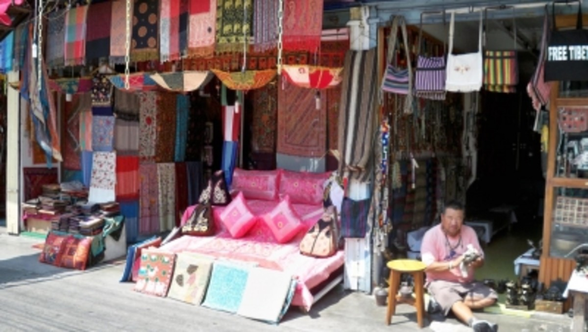 One of many shops in Lakeside, Pokhara