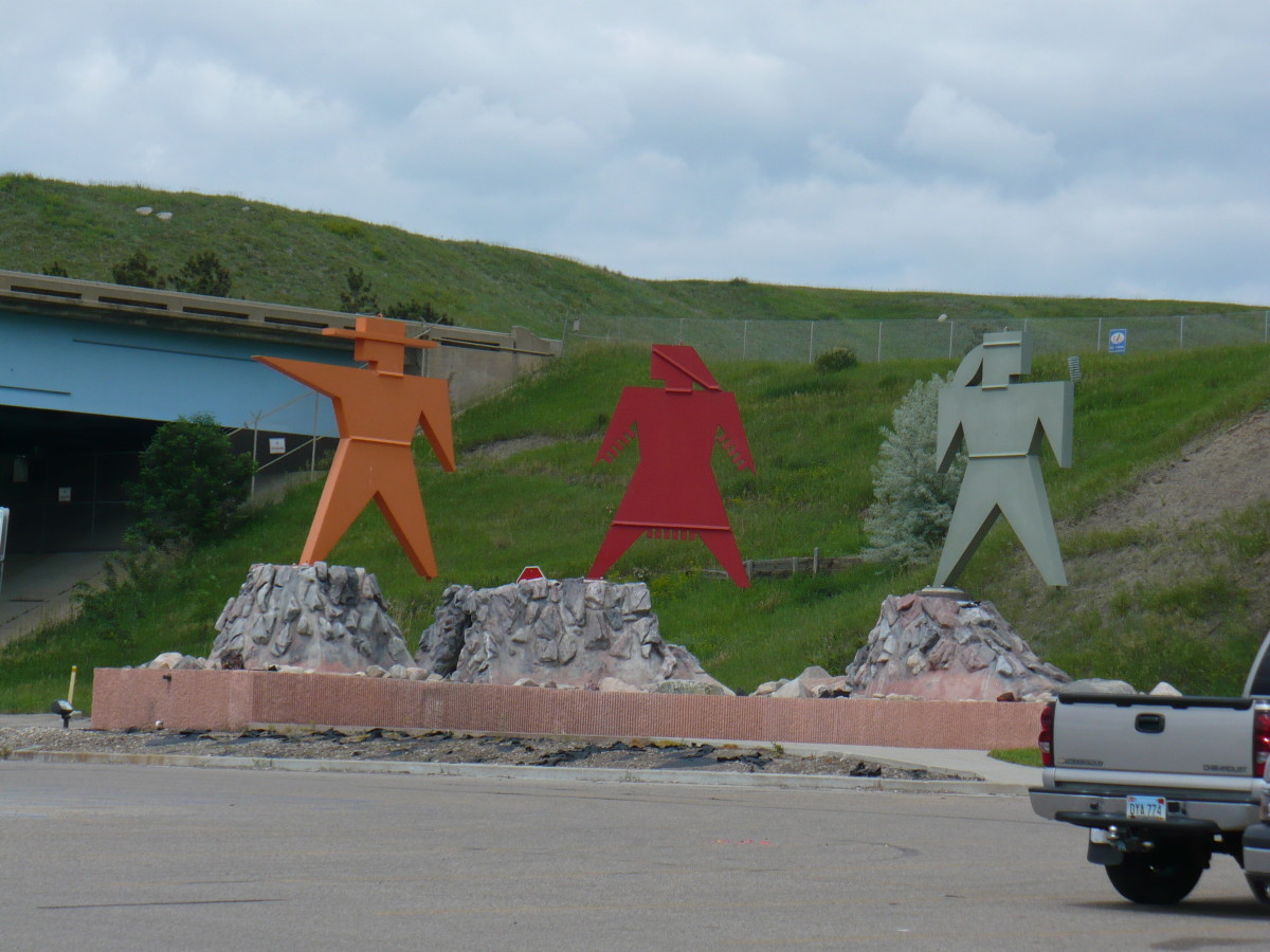 statues of the famous explorers, Lewis and Clark along with their guide, Sacajawea