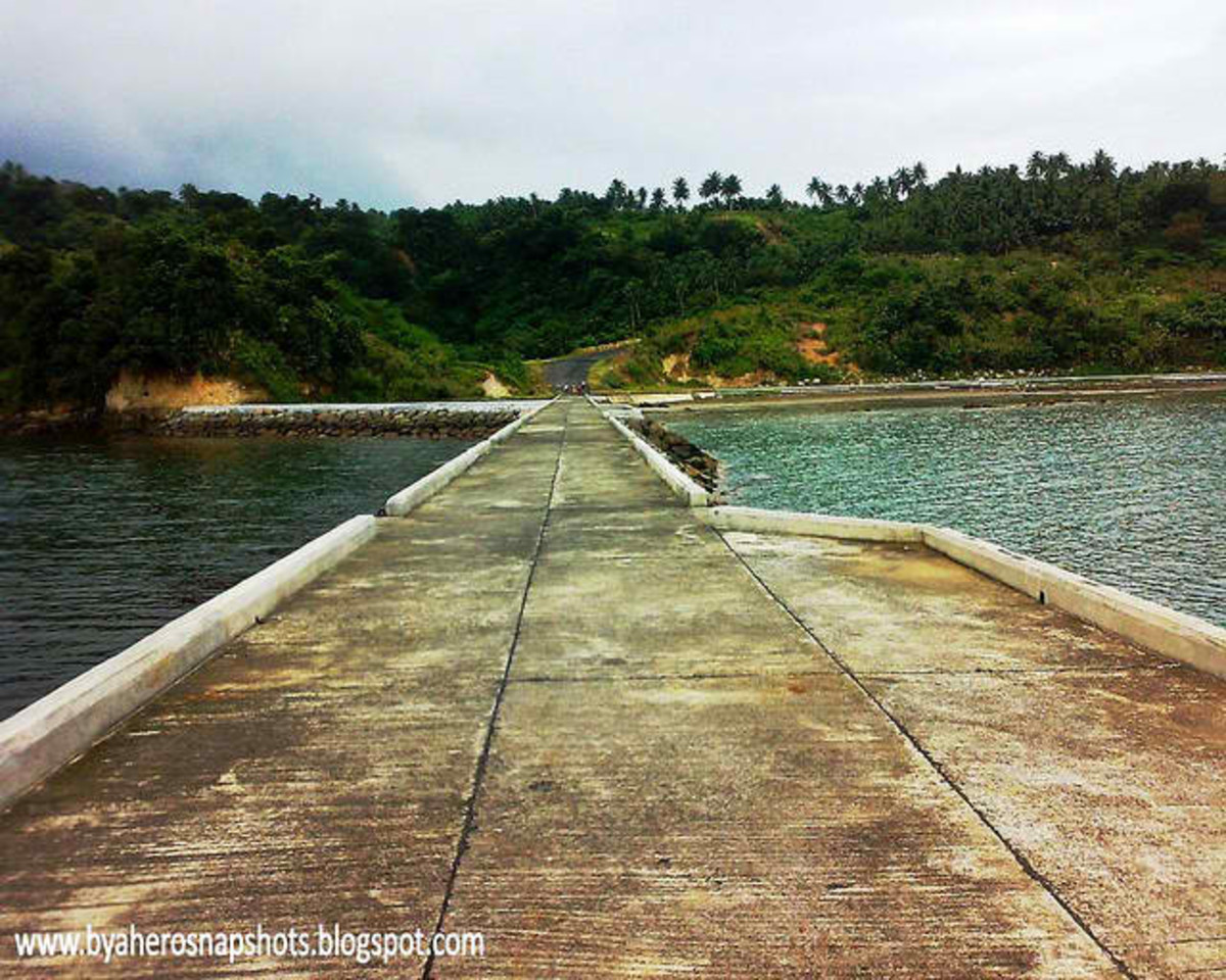 Seaport near the Manito Hot spring c/o Sherwin Magayanes of http://byaherosnapshots.blogspot.com/