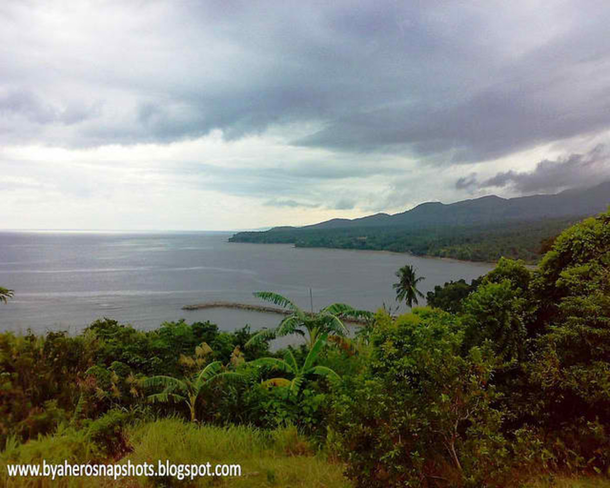 Albay Gulf in Manito, Albay (Photo courtesy of http://byaherosnapshots.blogspot.com/)