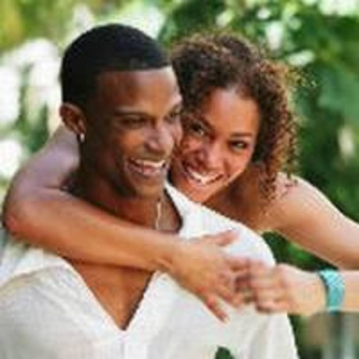 10-ways-to-know-if-a-guy-likes-you