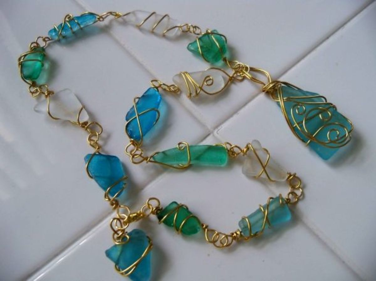 Handmade beaded jewelry - Sea Glass Necklace
