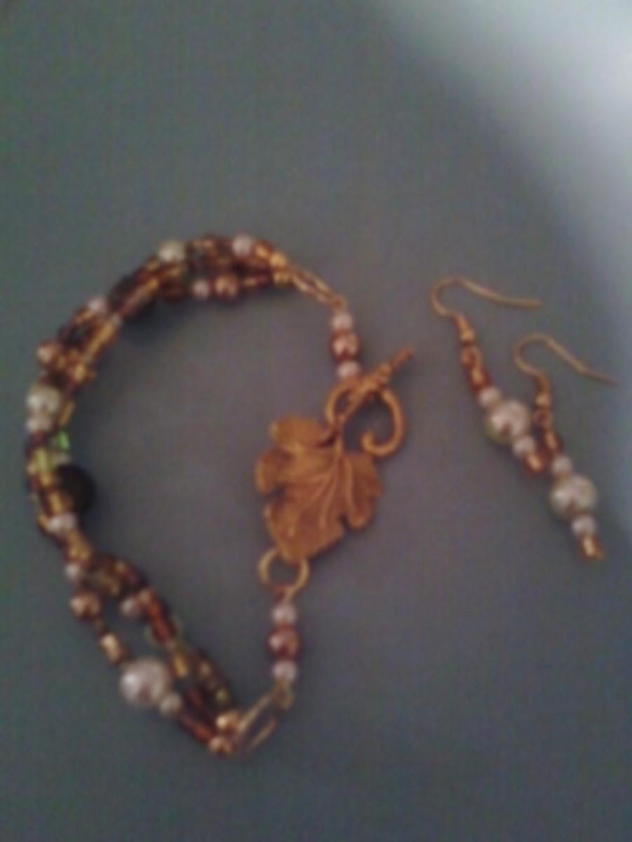 Handmade beaded jewelry - gold evening bag