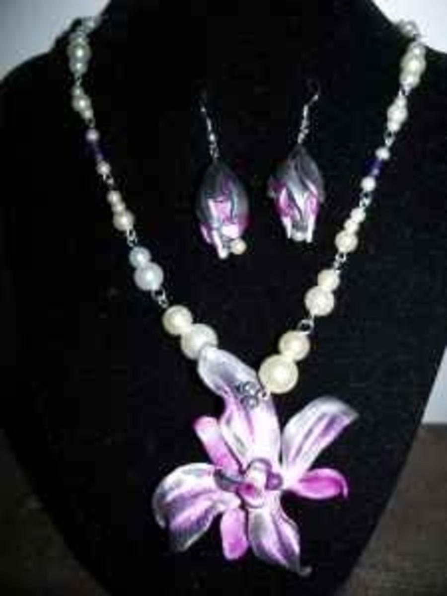 Handmade Beaded Jewelry - Orchid Pendant