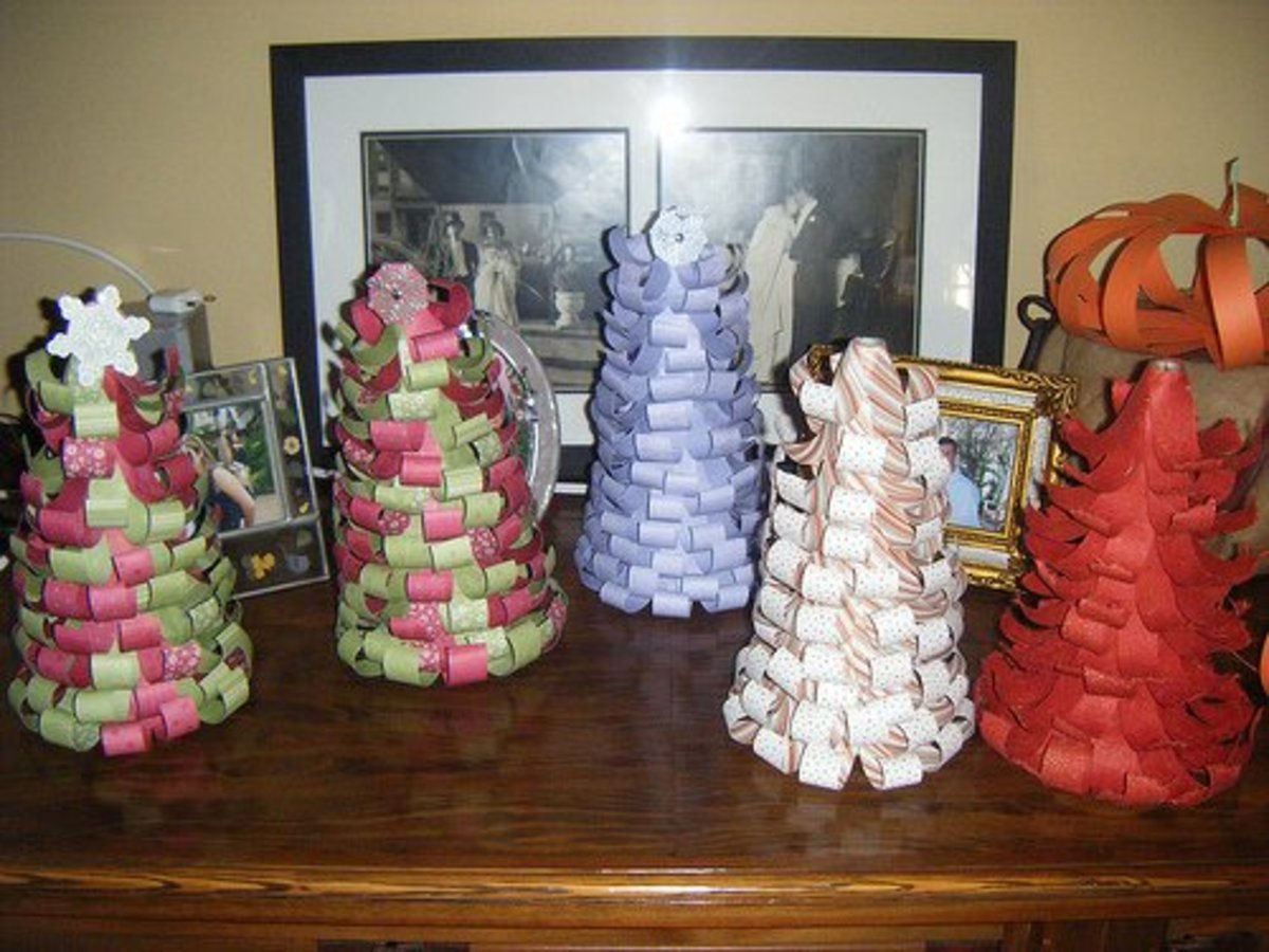 Christmas tree decorations made from paper