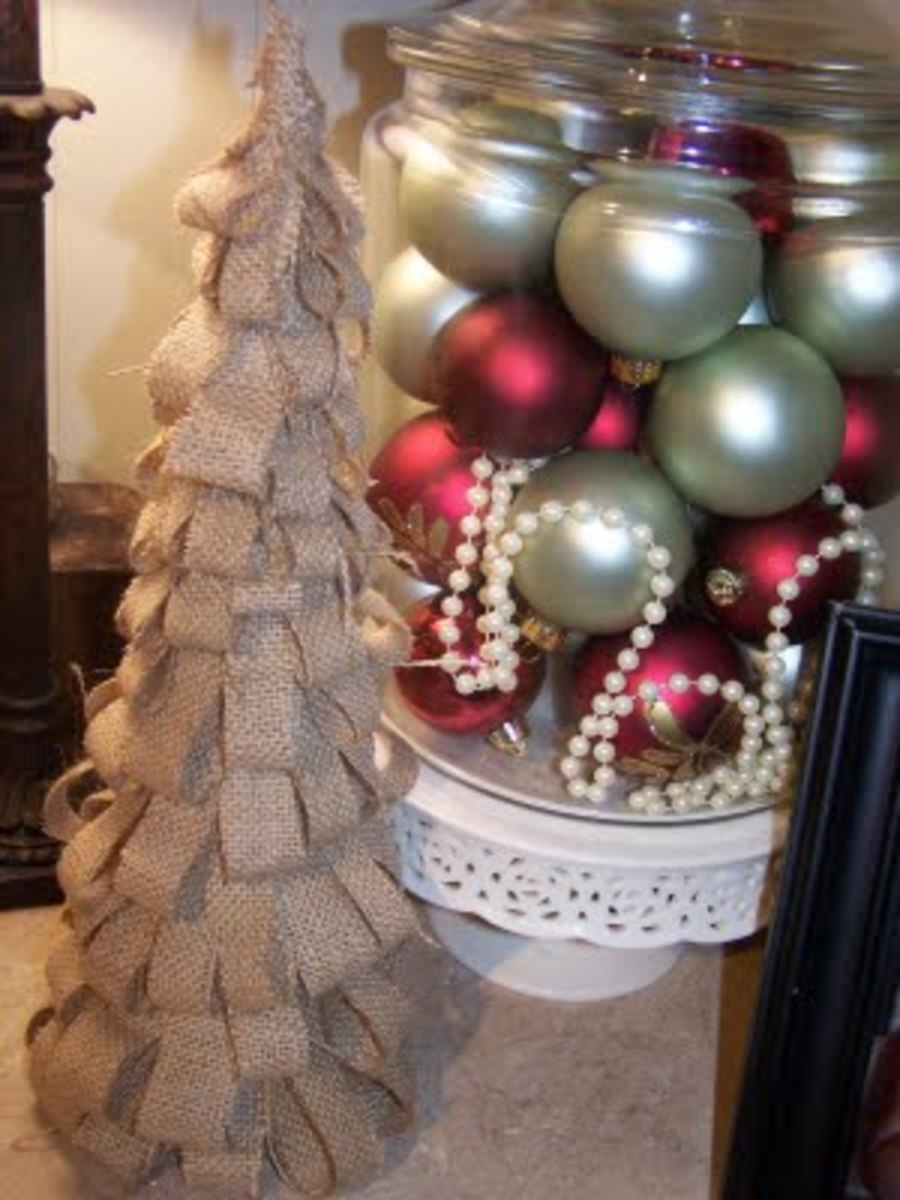 burlap Christmas tree decoration