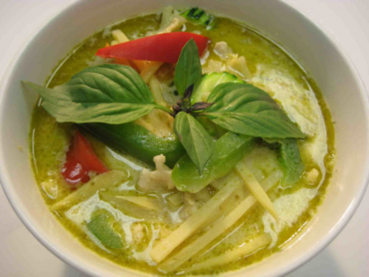 Thai Food Recipe - How To Make Gaeng Kiew Wan Kai, Green Chicken Curry