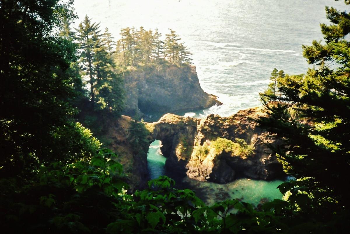 Natural Bridge Cove along Oregon coast