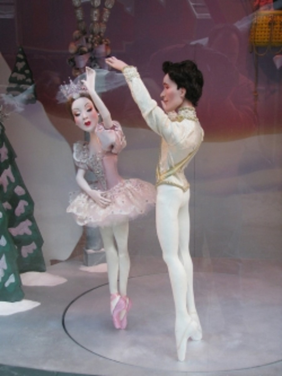 Ballet dancers from Chicago Loop Christmas Window display