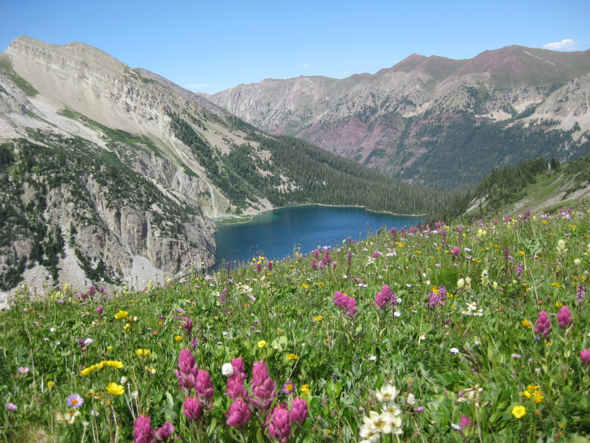 View of Snowmass Lake near the top of Trail Rider Pass