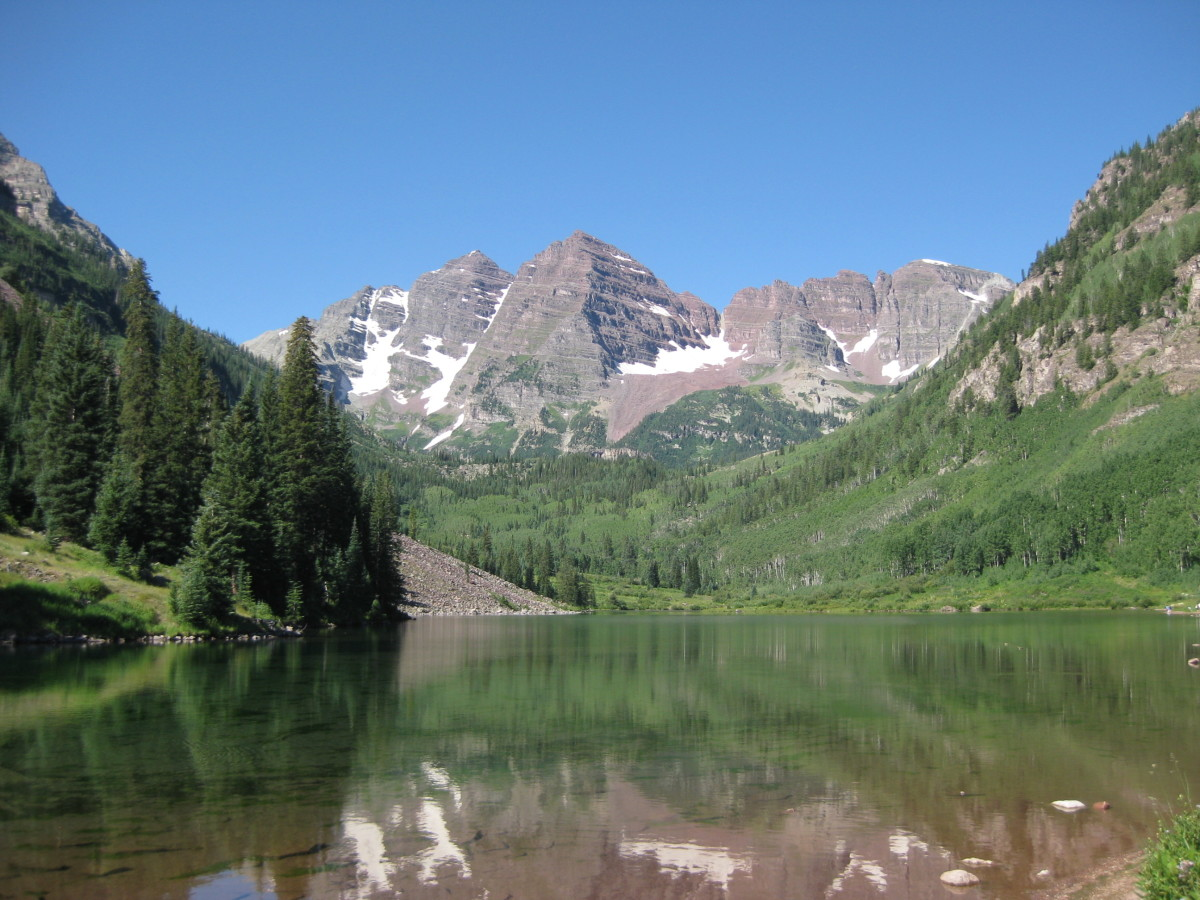 The iconic shot of the Maroon Bells with Maroon Lake in the foreground.
