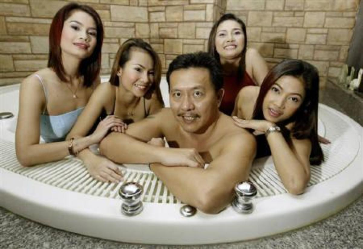 Chuwit Kamolvisit, From Bangkok's Biggest Pimp, to Thailand's Most Controversial Politician