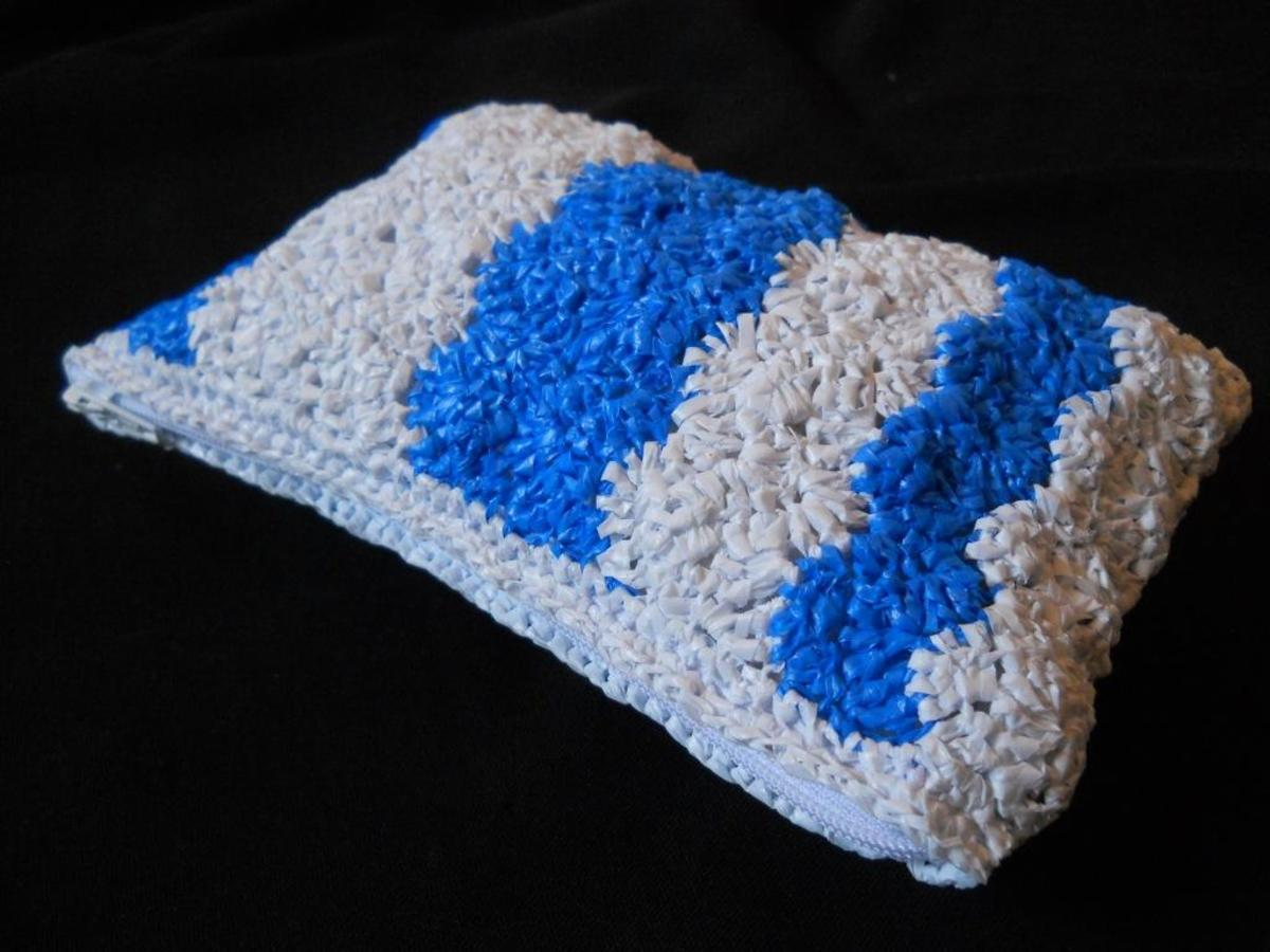 Crochet GENTLE WAVES Pouch Free Pattern