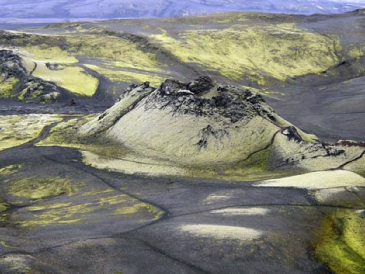 The Laki eruption did not take place at a single vent, but along a 17-mile-long fissure.