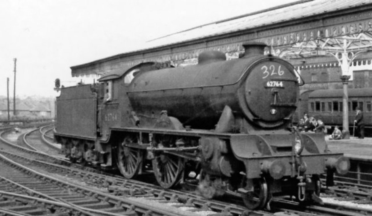 D49/2 'The Garth' was a Scarborough engine until the late 1950s, seen here at York, having brought in a tour (ref. the chalked number on the smokebox)