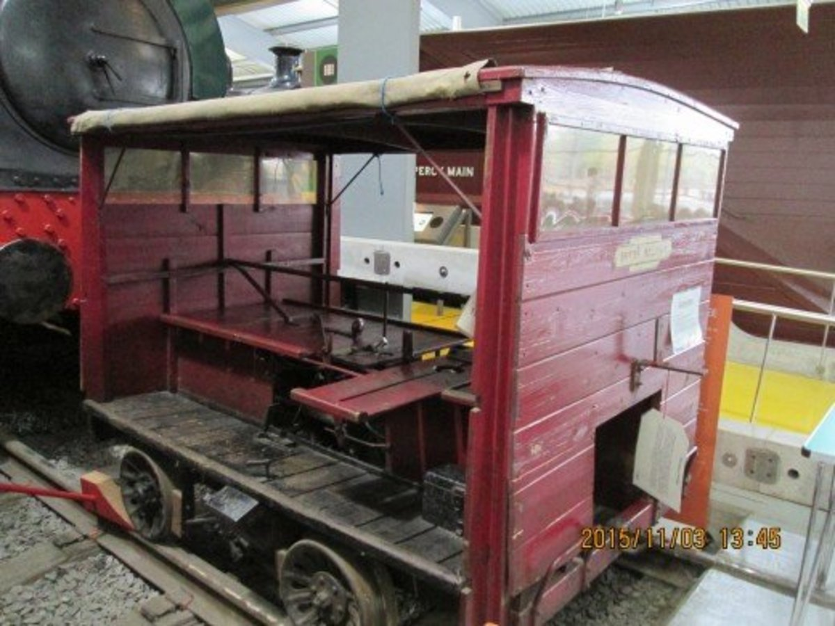 Earlier Wickham Ganger's Trolley seen at 'Locomotion', Shildon shows the seating arrangement for maybe six men including the driver