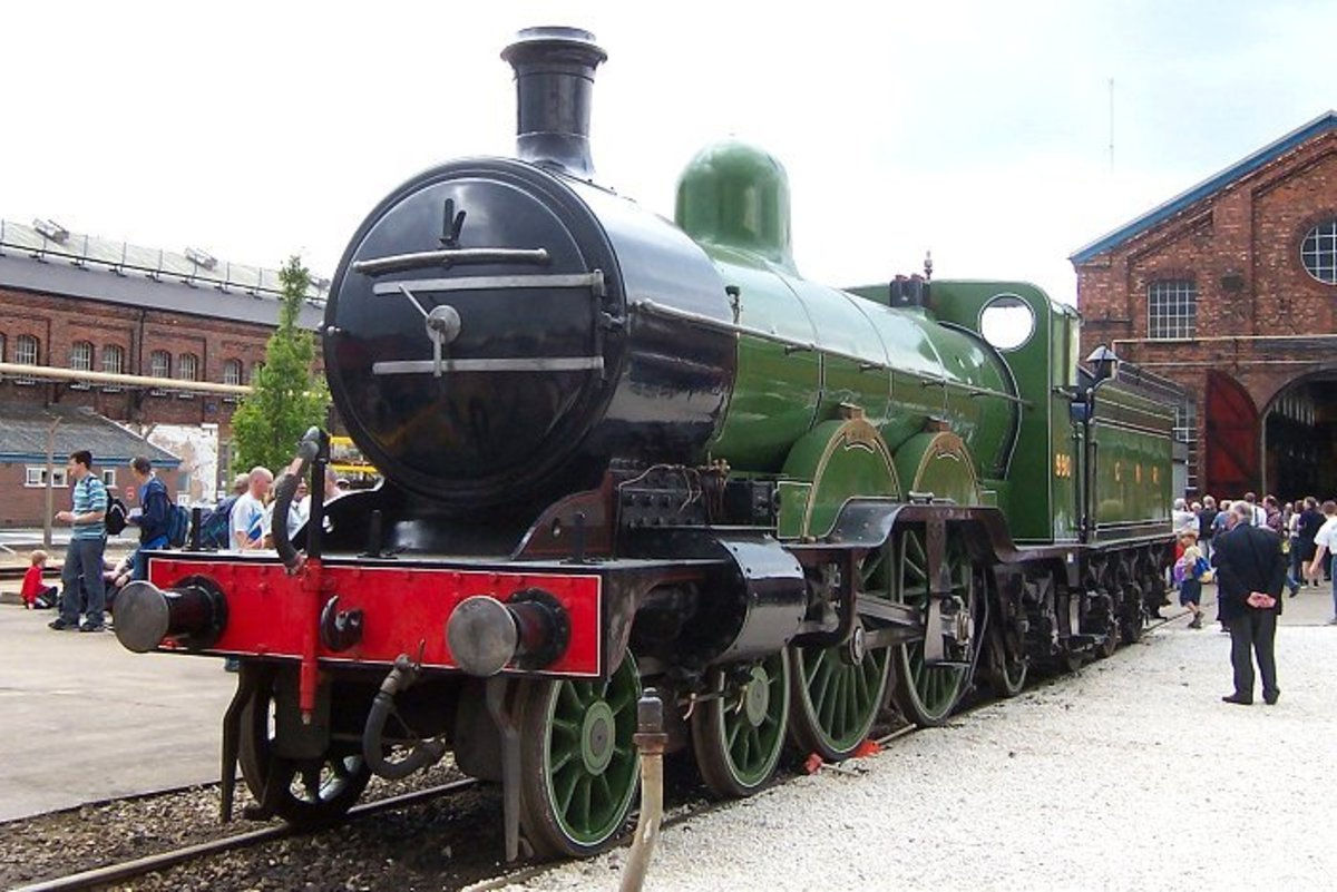 Great Northern Railway 'Atlantic' 4-4-2 Sir Henry Oakley in Doncaster Loco green