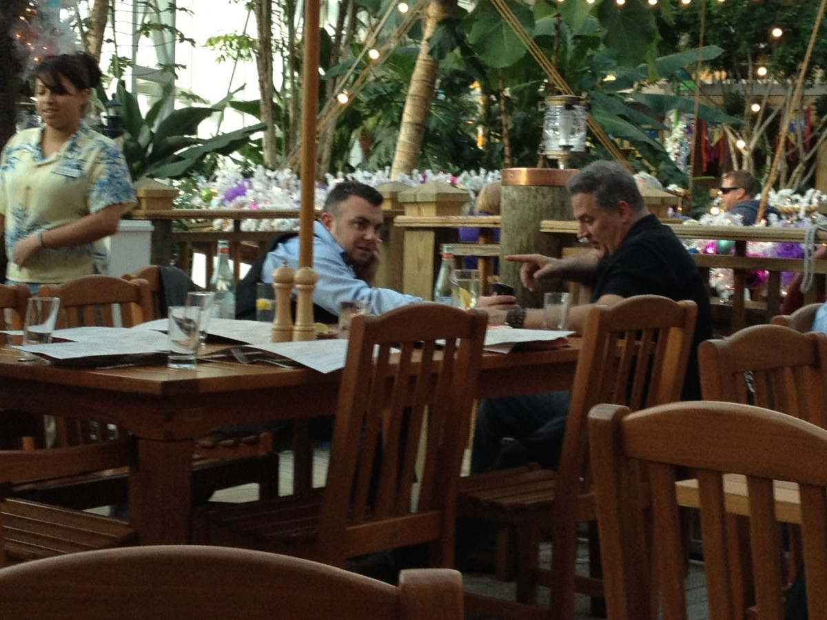 TIM YANKE AT LUNCH GAYLORD PALMS, KISSIMME, FL ART AUCTION