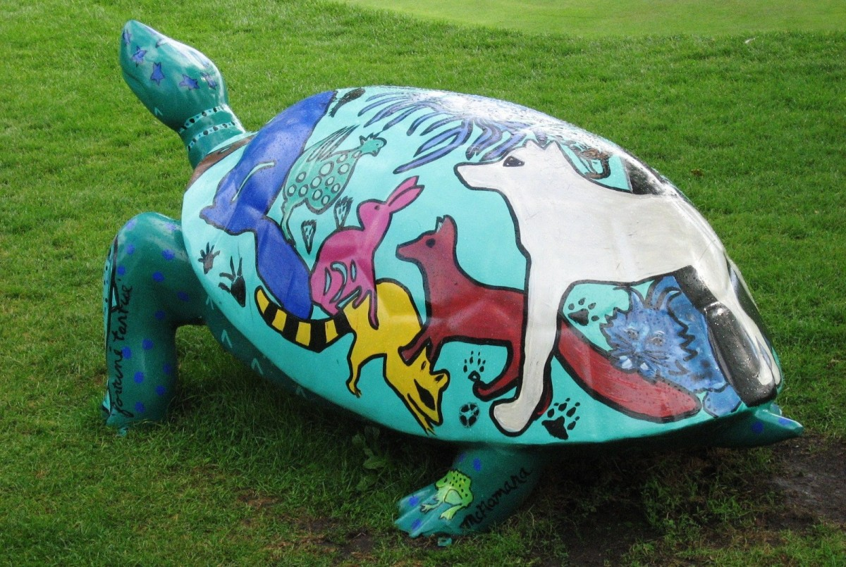 Decorative turtle on the Grand Hotel grounds