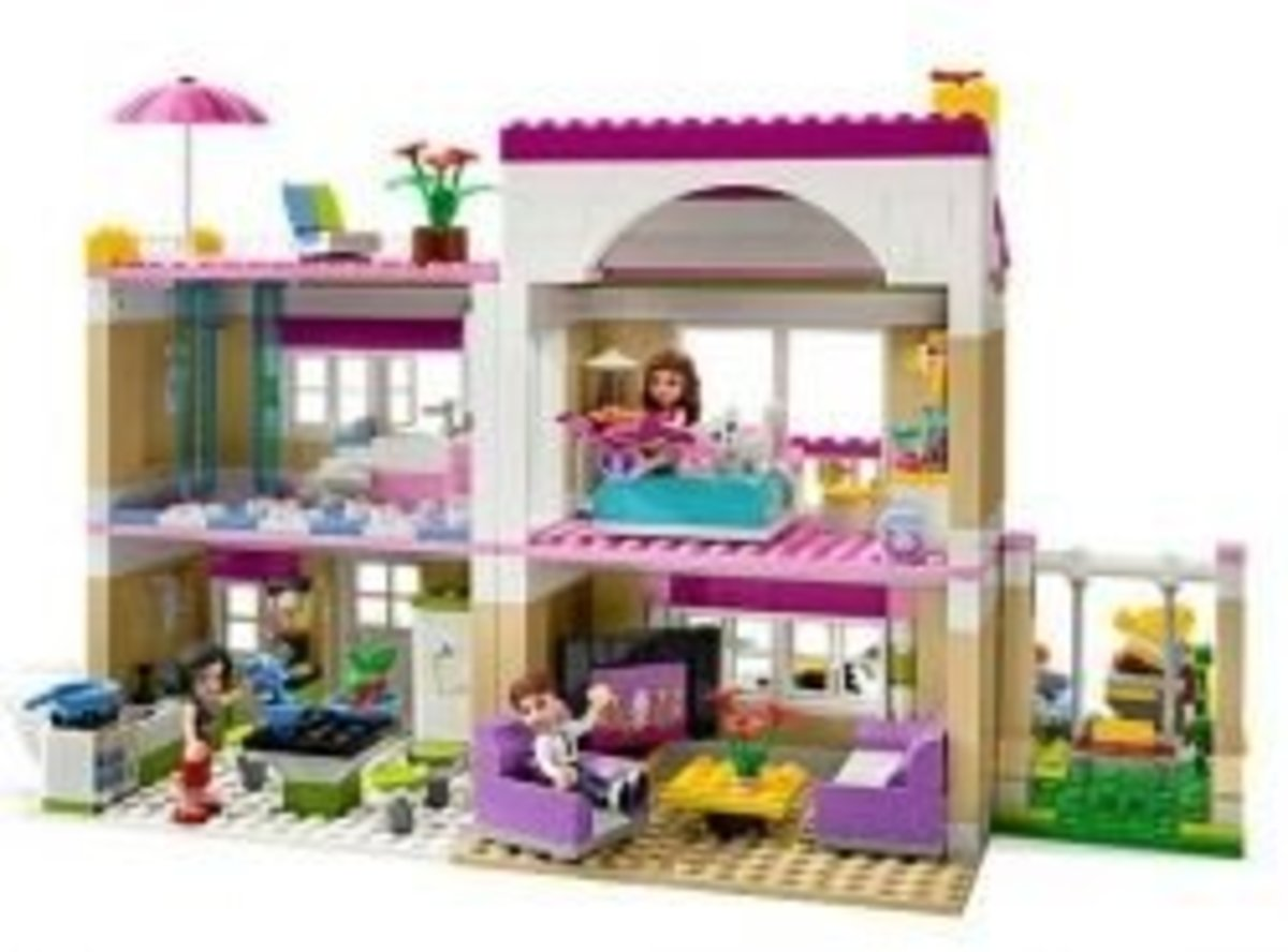 How to Build a LEGO Dollhouse