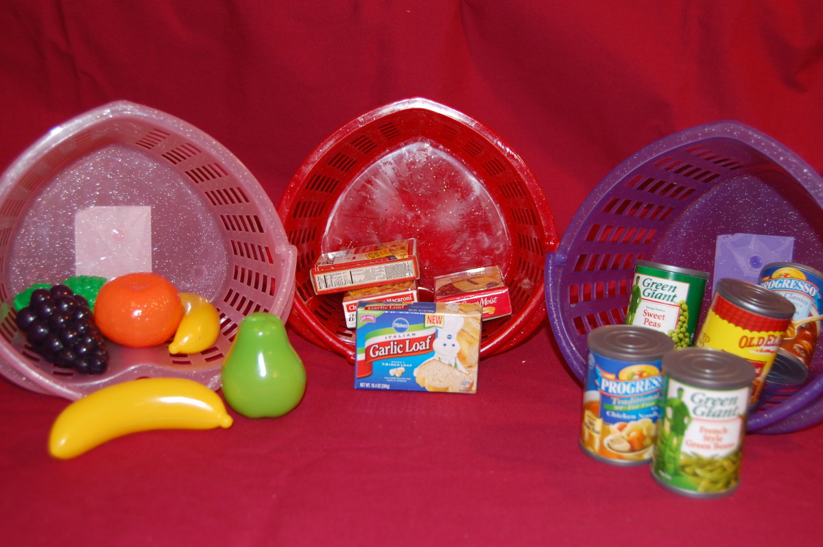 Sort food into boxed food, canned food, or fruits & vegetables