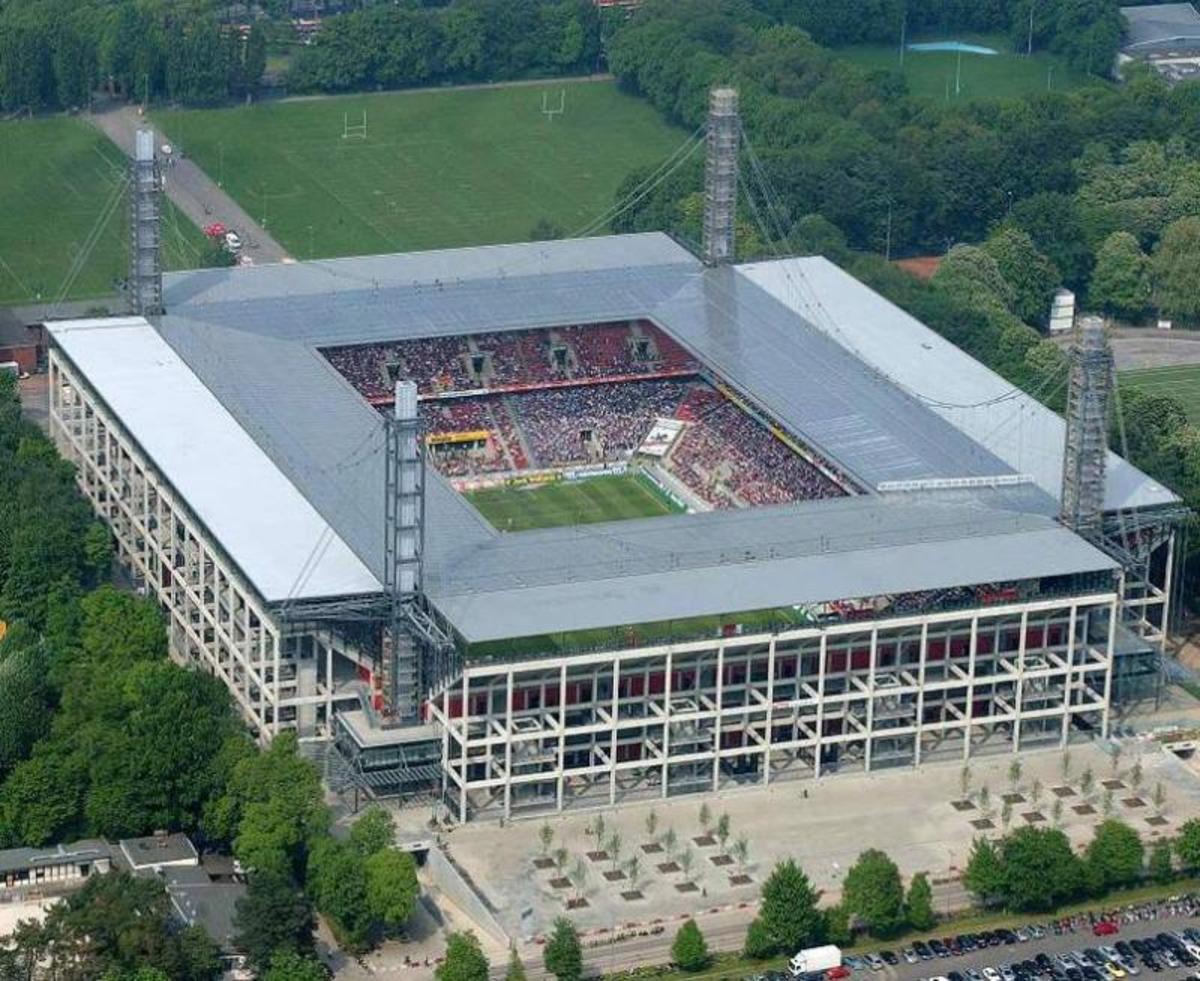The 10 Biggest Football (Soccer) Stadiums in Germany (by capacity)