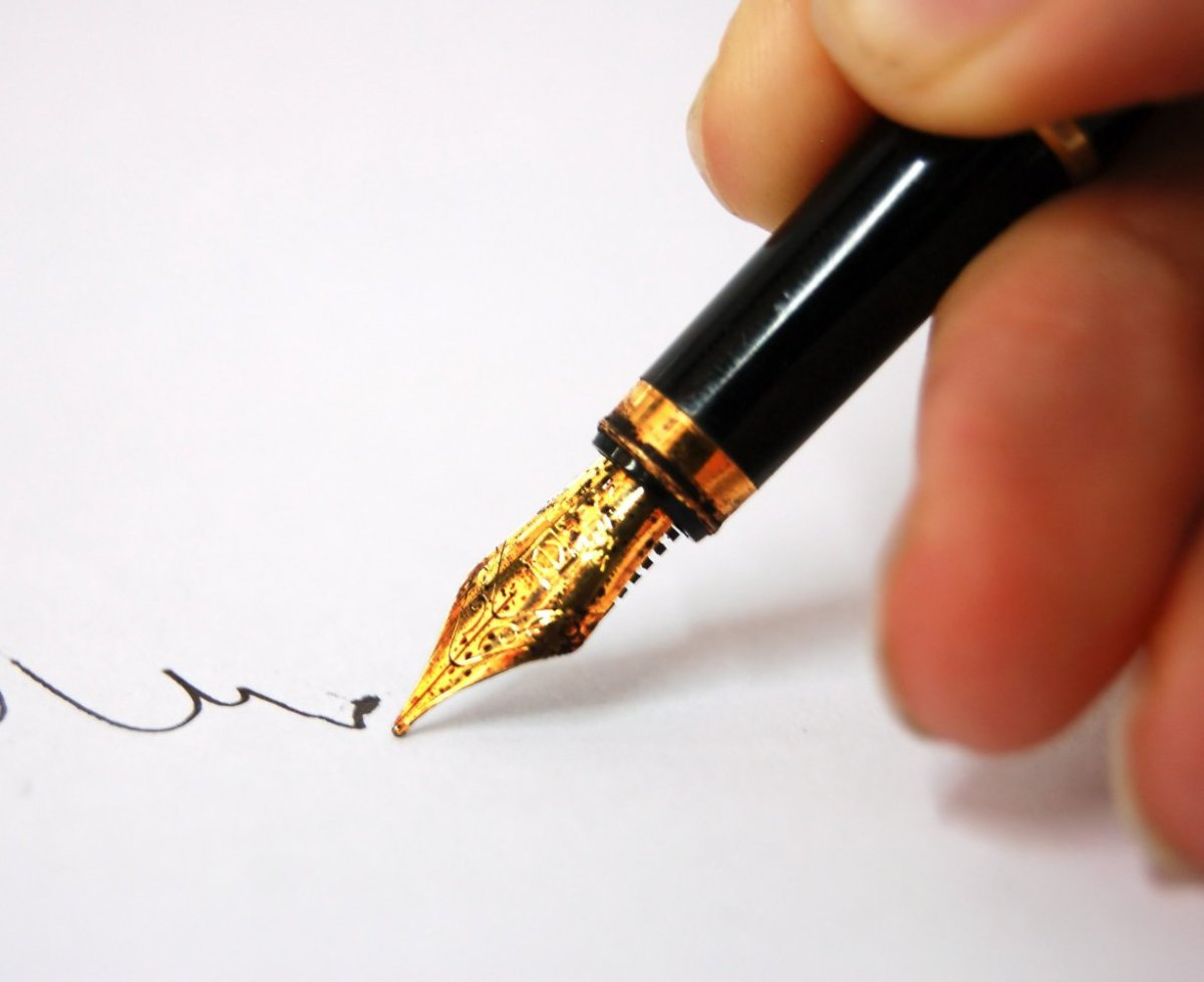 Writing a letter lets you pen down the thoughts in your mind and the feelings of your heart. Go ahead, indulge in one of life's simple pleasures.