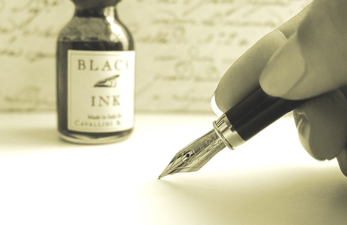Benefits of writing a letter by hand: Why handwritten letters are better than email and other electronic communication