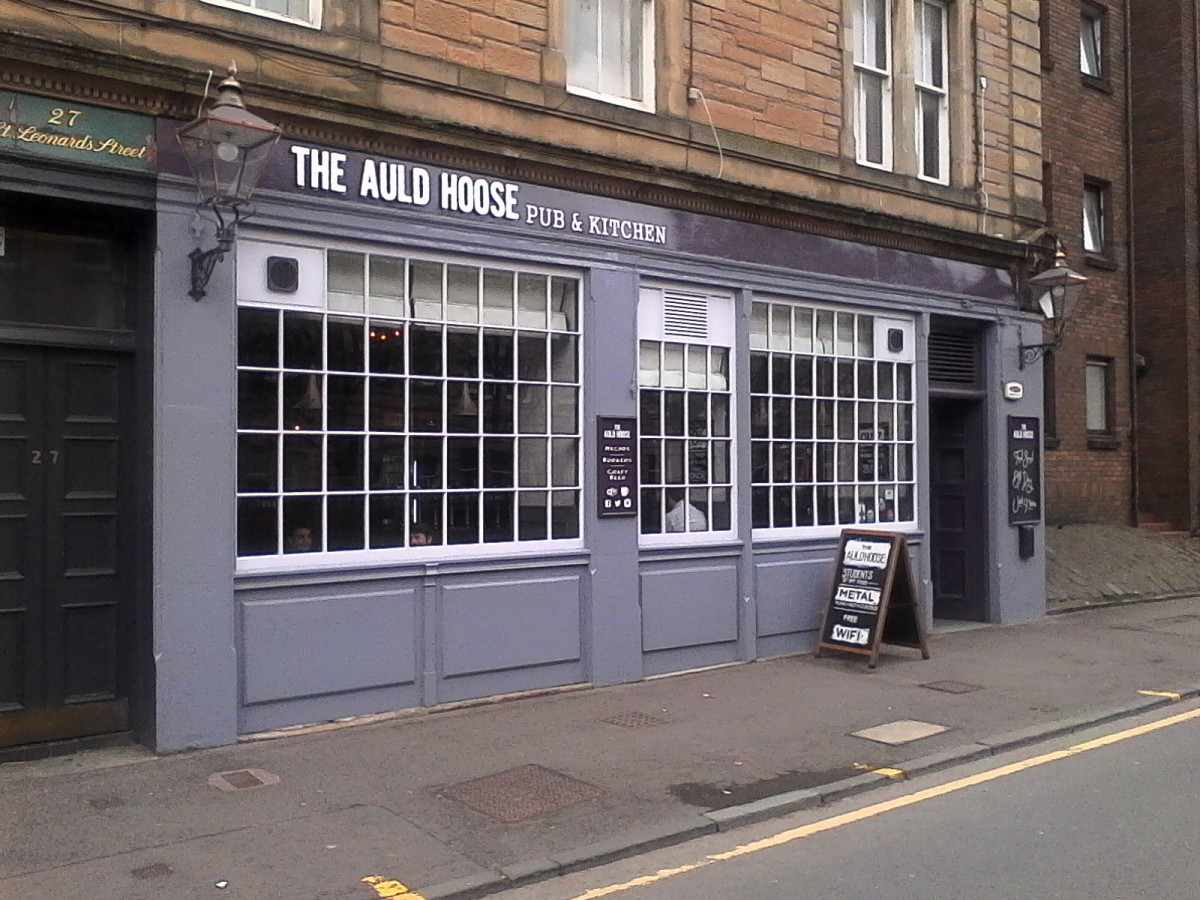 things-to-do-in-scotland-the-10-best-rock-bars-in-edinburgh