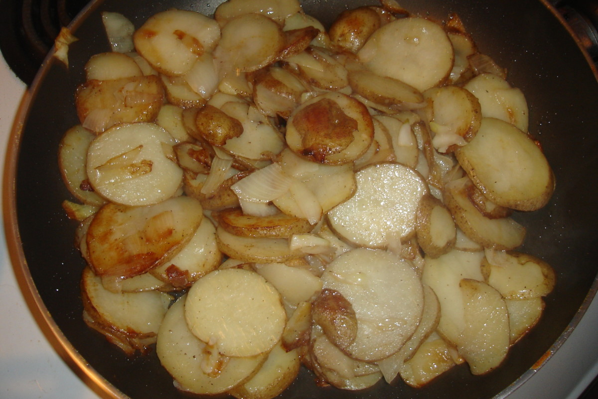 My Mother's Cooking - Fried Potatoes and Hash