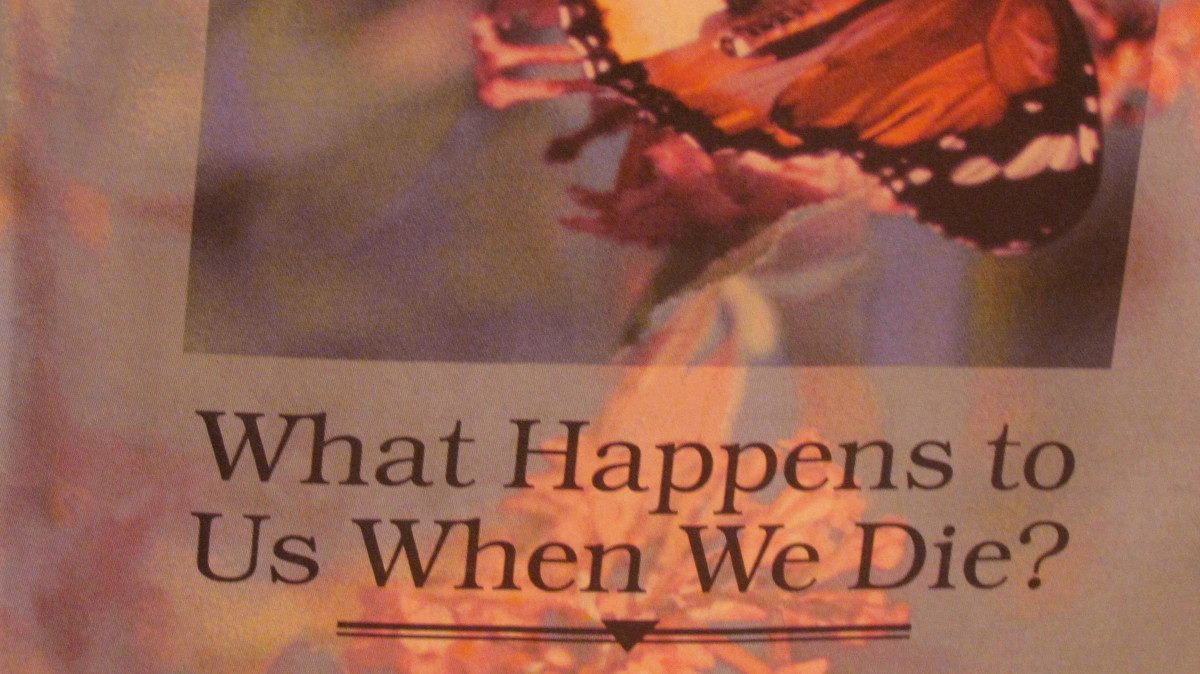 """The brochure entitled, """"What Happens to Us We Die?"""" Published by Watchtower Bible Tract Society of New York, Inc."""