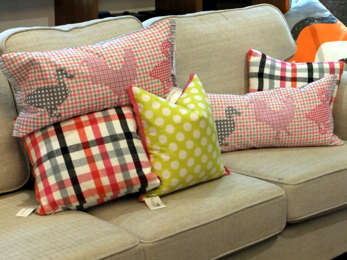 4. Throw pillows in Cotton fabrics are durable and easy to maintain